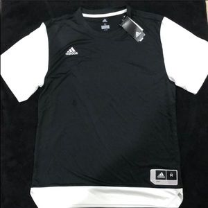Adidas basketball 🏀 t shirt